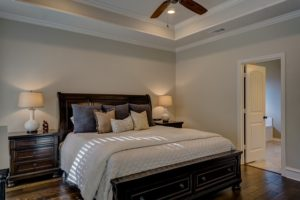 Natural bedroom design ideas bamboo sheets wood ceiling fan wood side table