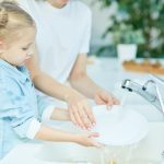 5-year-old-washing-dishes