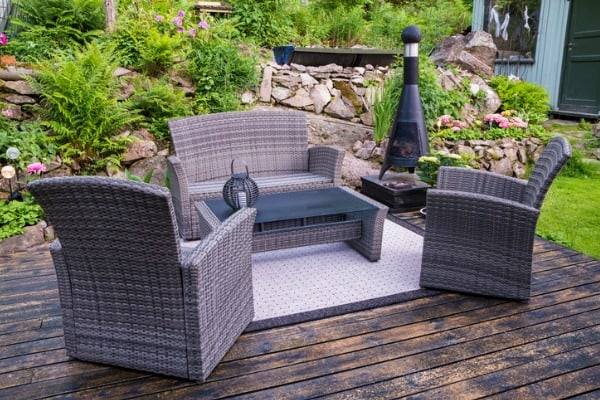neutral-color-outdoor-chairs