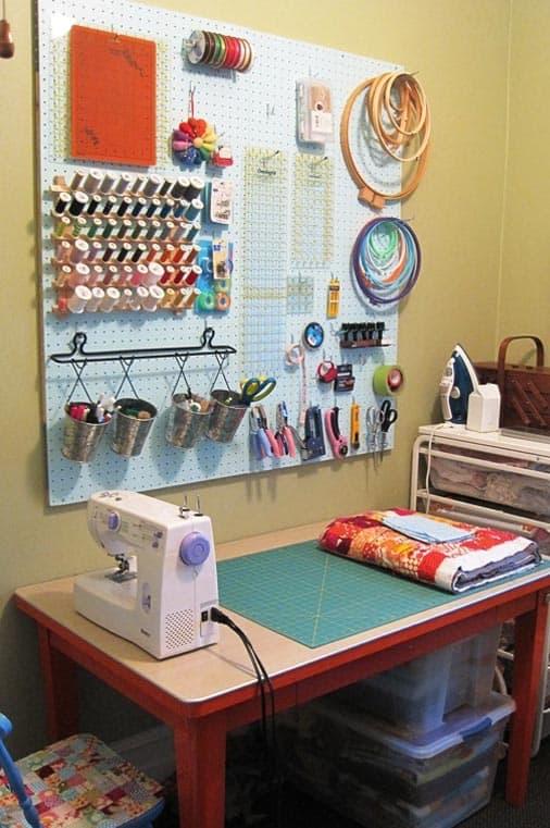 cozy-sewing-room-idea