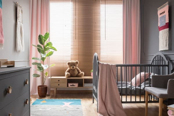 faux-wood-blinds-childs-room