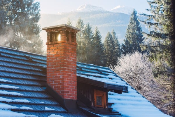 roof-house-in-winter