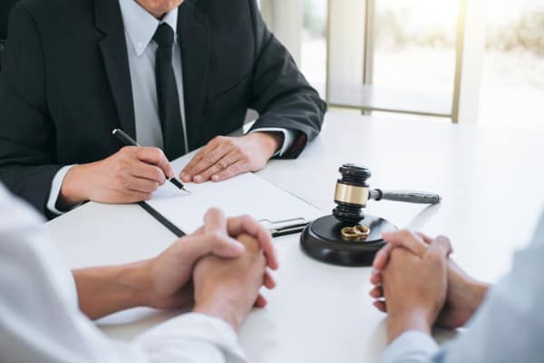 agreement prepared by lawyer signing decree of divorce of marriage