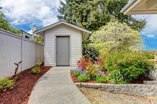 backyard-small-shed-and-flower-bed-view